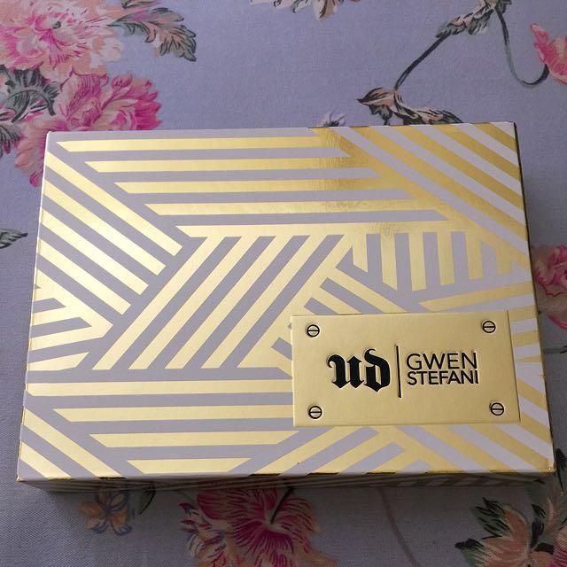 URBAN DECAY Gwen Stefani Eyeshadow Palette (Sale!!)