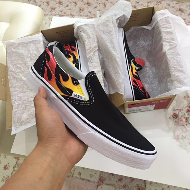 d9a319baee VANS CLASSIC SLIP ON FLAME PACK