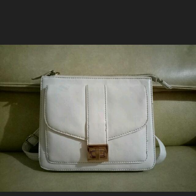White Chain Sling Bag