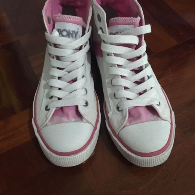 White pony shoes