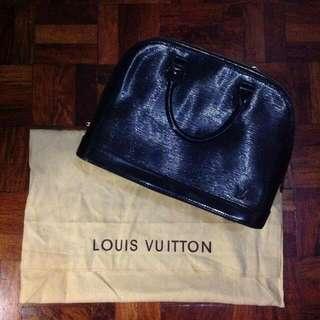 Louis Vuitton Epi Alma Bag