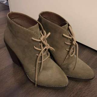 Steve Madden Olive Heel Boots