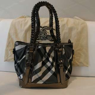 Authentic Burberry Checked tote bag