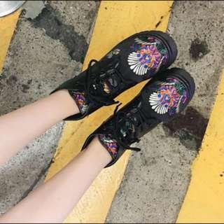 秋季繡花復古英倫粗根短靴