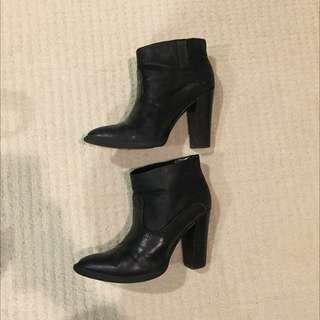 Size 7 - Crown Vintage Cowboy Booties