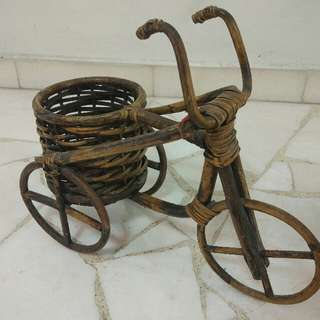 Rattan decorative item