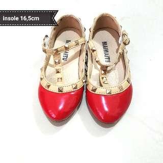 Sepatu anak Valentino murah