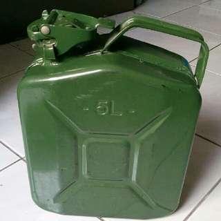 5 litres jerry can / oil tank / tong minyak