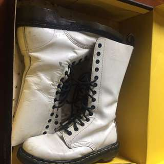 Dr. Martens Boots 14 Holes White