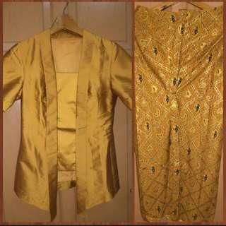 Kebaya Kutu Baru & Rok Batik