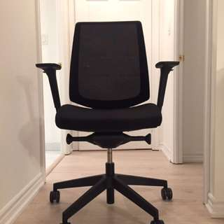 Knoll k. Task Ergonomic Designer Chair
