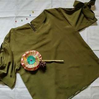 Green split shoulder blouse