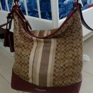 Sale!!Sale!!📣📣 Coach hobo in berry