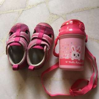 Combi Shoes size 22 and water bottles for girl