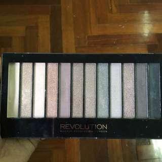 Makeup Revolution Palette Iconic 2