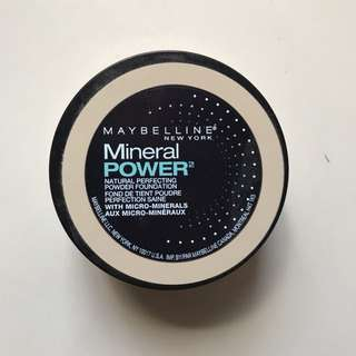 🌻 MAYBELLINE MINERAL POWER POWDER FOUNDATION IN CLASSIC IVORY 🌻