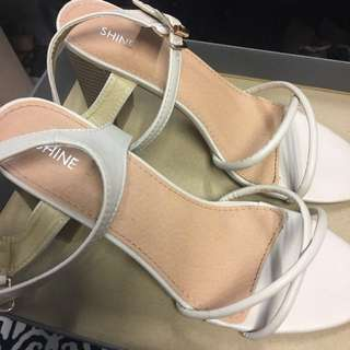 Shine Cream Chalk Sandals EU40/US9