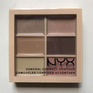 ☀️ NYX PROFESSIONAL MAKE UP CONCEAL, CORRECT, CONTOUR PALETTE IN LIGHT ☀️