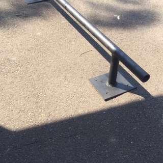 Skate board grinding rail