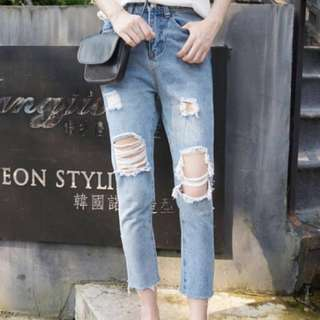 BRAND NEW High-waist Straight-cut Ripped Jeans