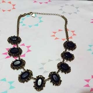 Diva black stone Necklace