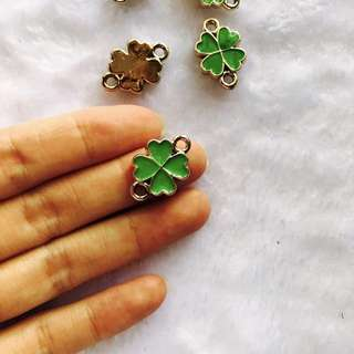 Green four leaf clover charm pendant pack of 5
