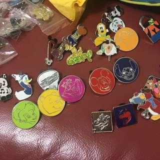 Disney pin 迪士尼徽章 交換