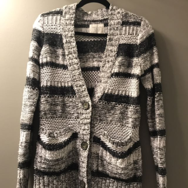 Abercrombie grey, black and white cardigan