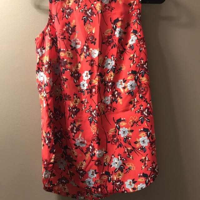 Abercrombie red floral top