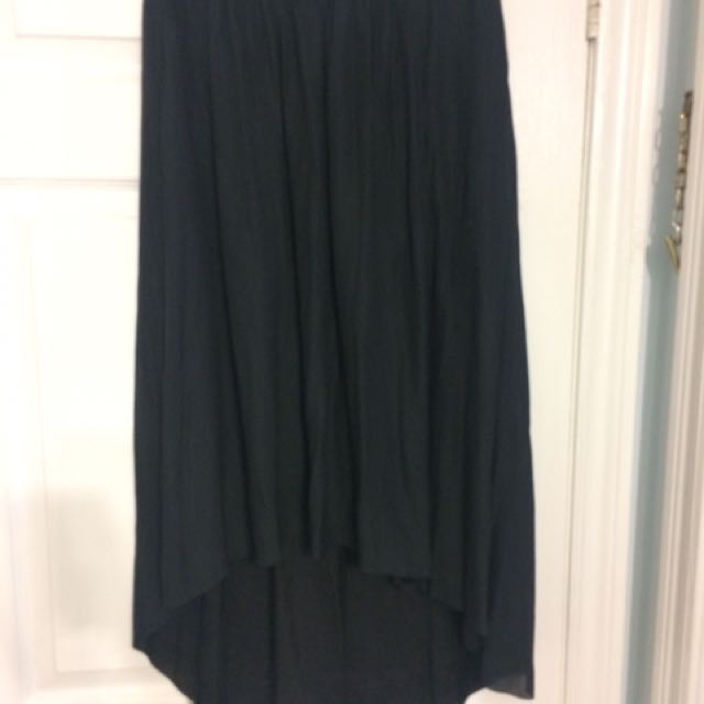 Aritzia high low skirt size small