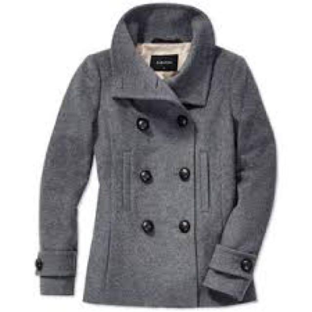 Aritzia Talula Babaton Howell coat size medium
