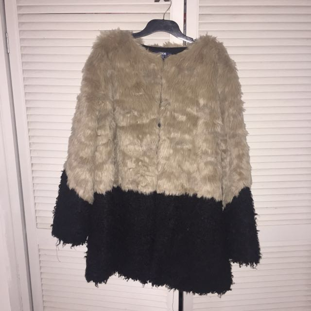 ASOS CURVE Plus Size Faux Fur Coat Brand New
