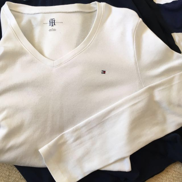AUTHENTIC Tommy Hilfiger Medium White Sweater