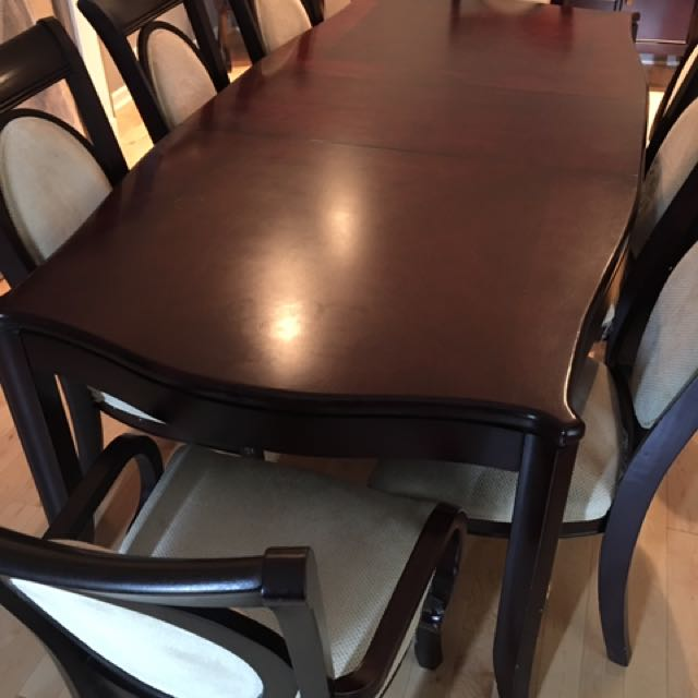 Dining room set + 2 hutches