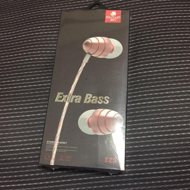 Extra Bass 金色質感耳機