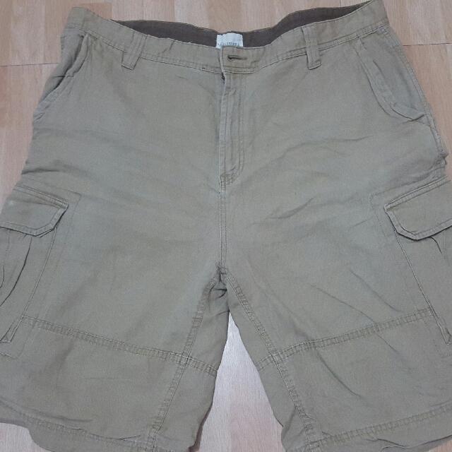 "HIGH SIERRA cargo shorts (40"")"