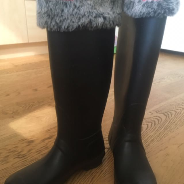 Hunter boots size 8 with socks