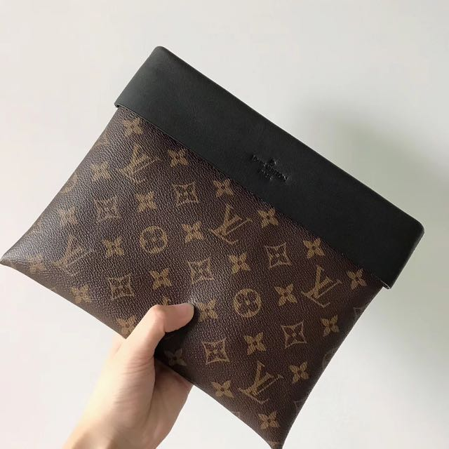 3a949ce71c84 Louis Vuitton Pochette Tuileries Clutch