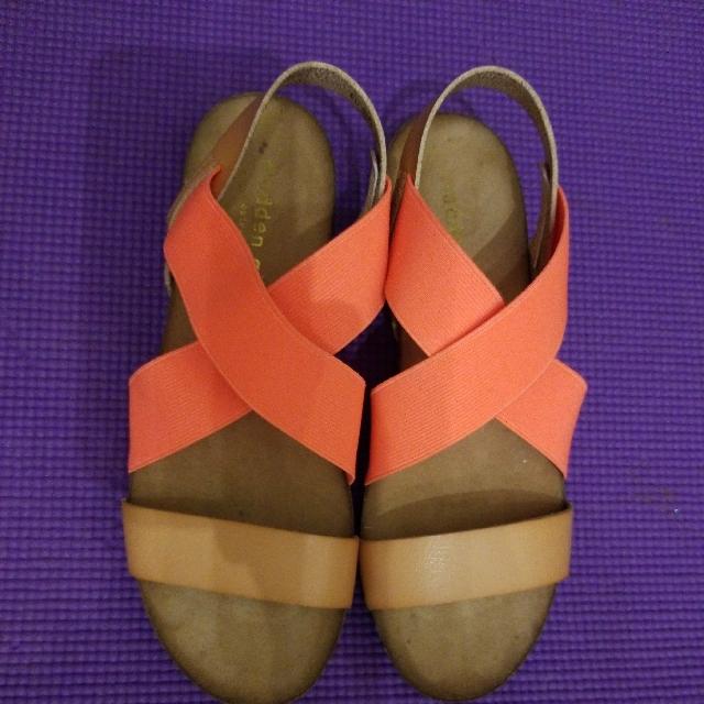 Madden Girl by Steve Madden Sandals - Size 6.5