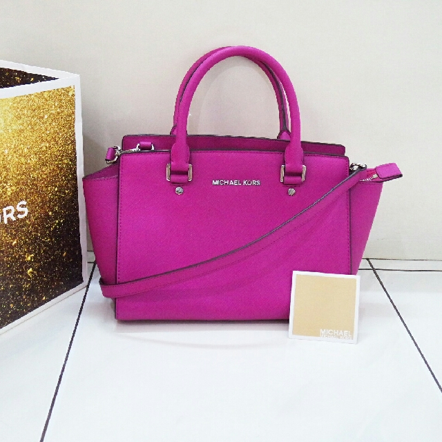 463d9da3276 Michael Kors Authentic Selma medium bag original tas asli, Luxury, Bags &  Wallets on Carousell