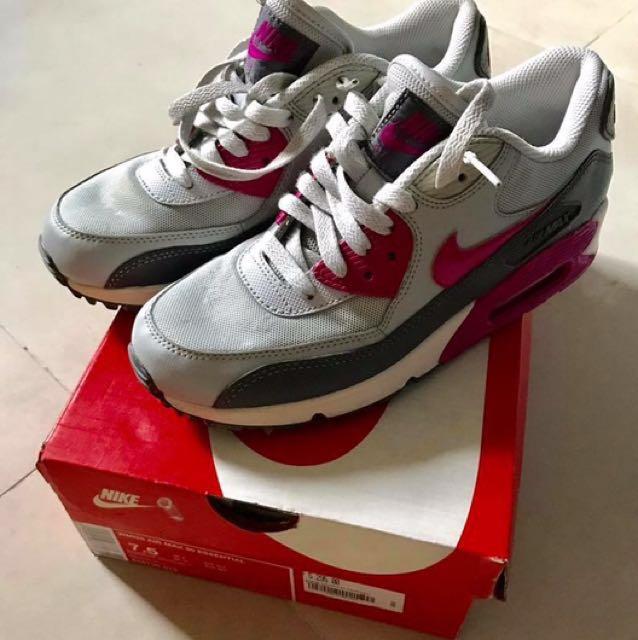 Nike WMNS Airmax 90 Essential