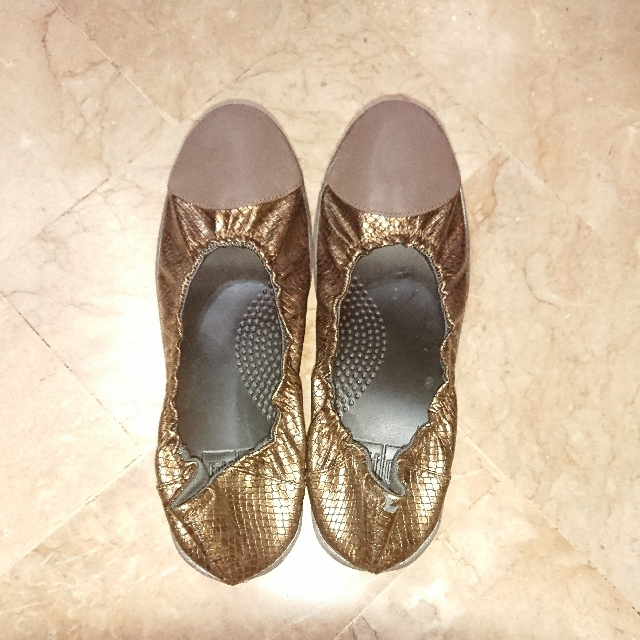 Overruns Fitflop Slip-On Shoes Brown with style of snake skin