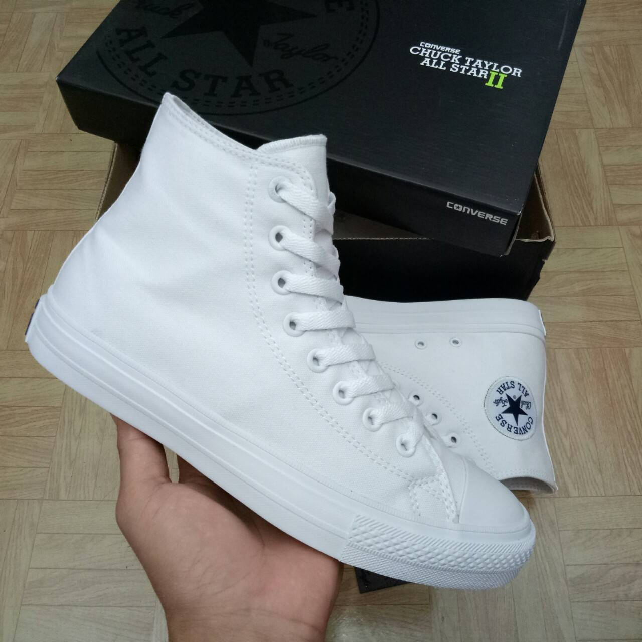 SEPATU CONVERSE CHUCK TAYLOR II HIGH FULL WHITE PREMIUM BNIB (Brand New In  Box) FULL TAG BARCODE MADE IN VIETNAM 0aeab92061