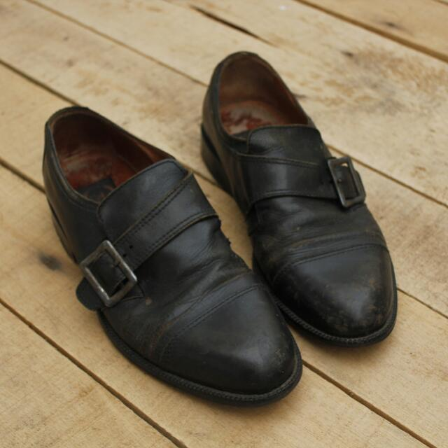 Sepatu Kulit 1