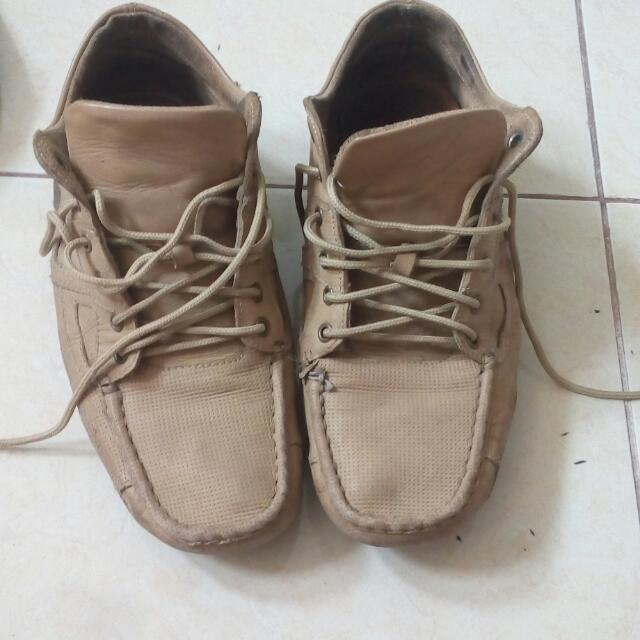 Sepatu Spyderbilt
