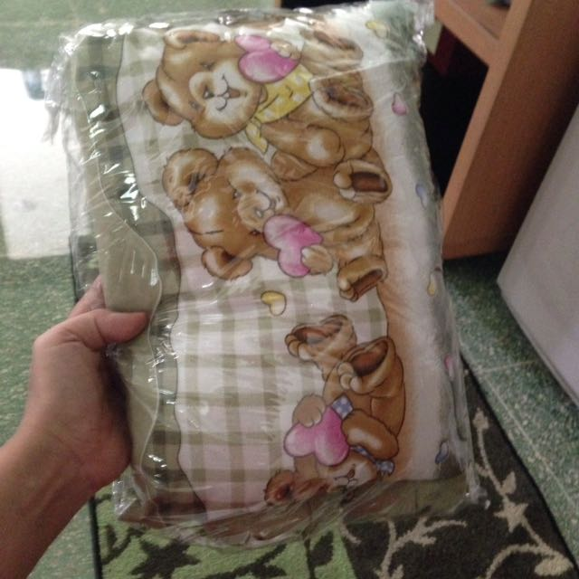 set bantal bayi