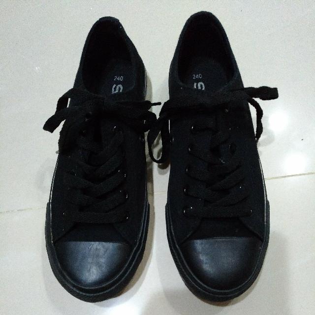 SPAO全新黑布鞋