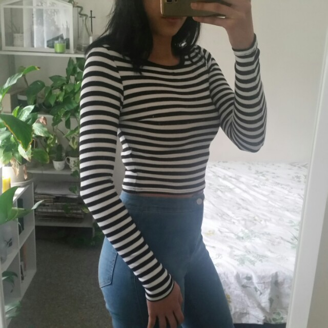 Size 8 striped long sleeve crop top