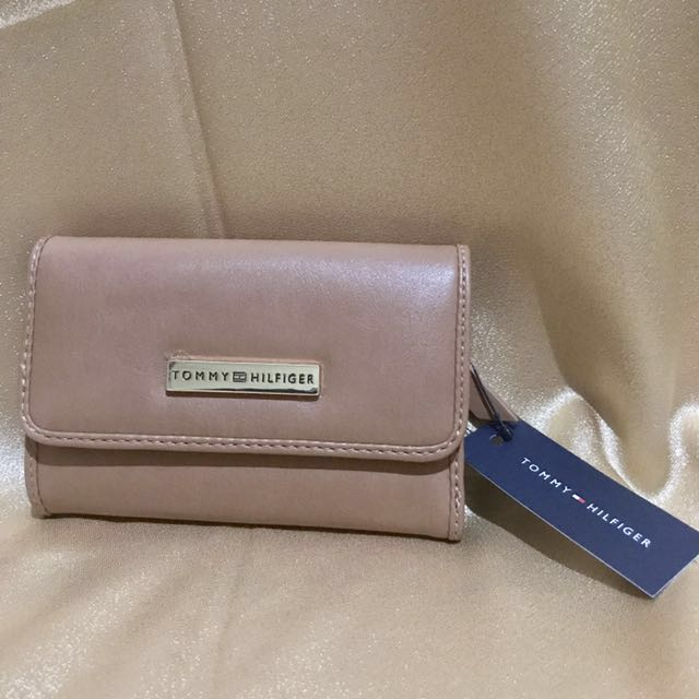 Tommy Hilfiger Classic leather Stylish