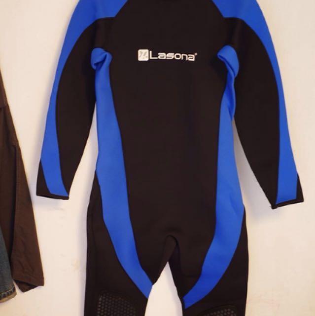Wetsuit lasona size M (untuk diving)